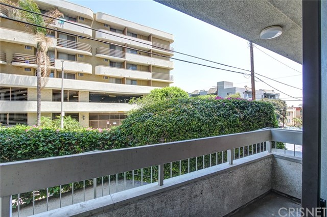 1601 N Fuller Avenue Unit 104 Los Angeles, CA 90046 - MLS #: SR18181281
