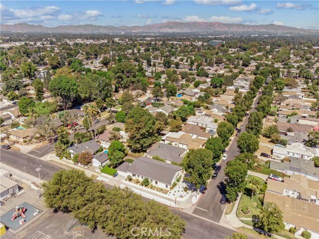 6601 Enfield Avenue, Reseda CA: http://media.crmls.org/mediascn/d7d95347-d37e-497e-90ad-22313b8576b8.jpg