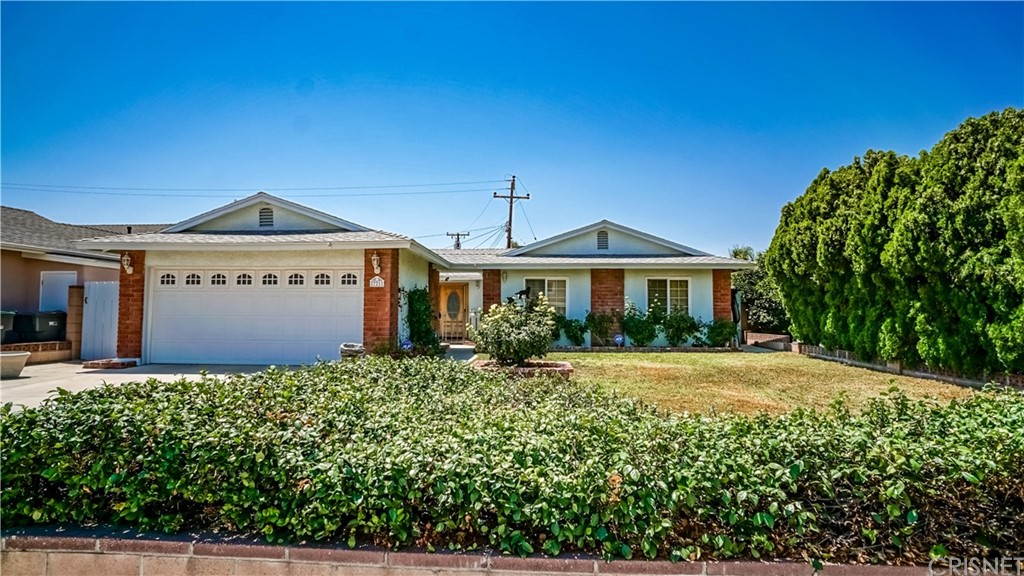 27211 OAKGALE Avenue, Canyon Country, CA 91351