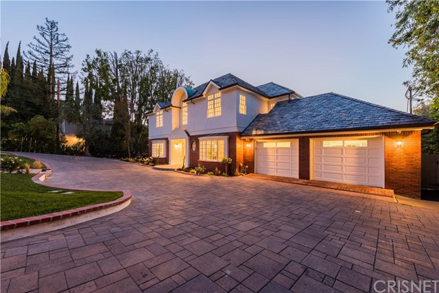 Single Family Home for Rent at 14619 Valley Vista Boulevard Sherman Oaks, California 91403 United States