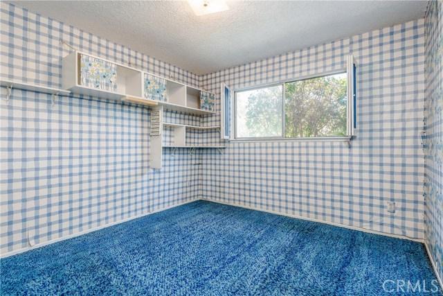11702 Monogram Avenue, Granada Hills CA: http://media.crmls.org/mediascn/d838361f-00d0-4c89-a61b-1f3c106fd5b0.jpg