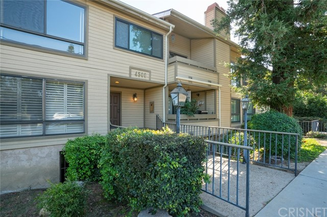 4500 Whitsett Avenue 2  Studio City CA 91604
