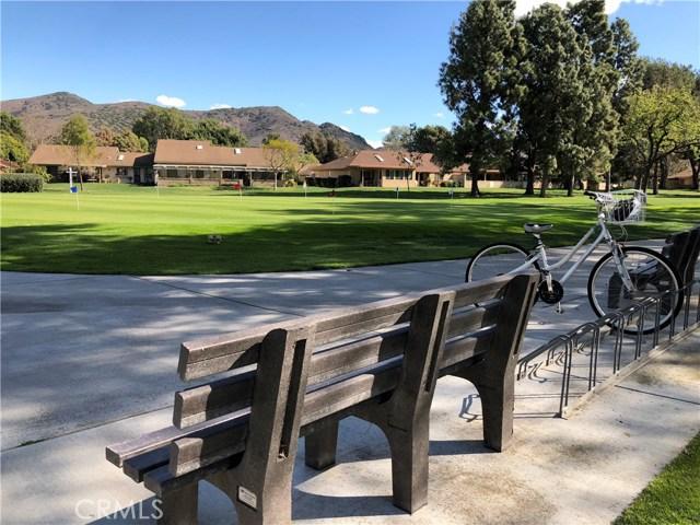 19227 Village 19, Camarillo CA: http://media.crmls.org/mediascn/d85505f6-4583-4c9a-b819-e920849b6a57.jpg