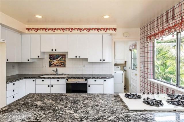 11702 Monogram Avenue, Granada Hills CA: http://media.crmls.org/mediascn/d8831172-709f-4136-9361-28d85d40a186.jpg