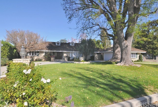 20657 Martinez Street  Woodland Hills CA 91364