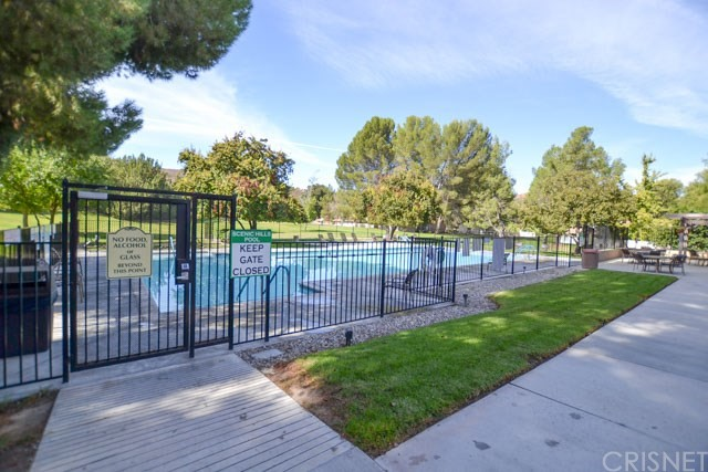 26168 Rainbow Glen Drive Unit Unit 61 Newhall, CA 91321 - MLS #: SR18241015
