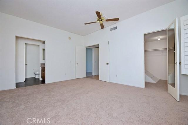 6221 1/2 Nita Avenue, Woodland Hills CA: http://media.crmls.org/mediascn/d89e28e4-924f-4703-a246-c35eb860b55e.jpg