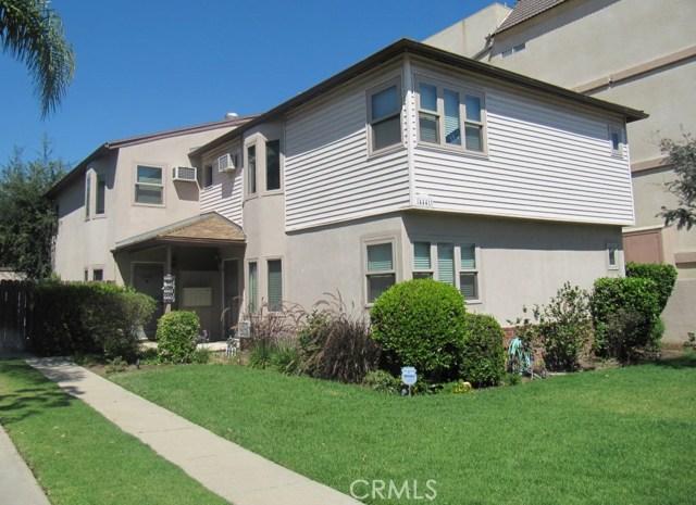 4441 Hazeltine Avenue, Sherman Oaks CA: http://media.crmls.org/mediascn/d8b0dee9-6d6c-4167-b860-88fb3c33e66a.jpg