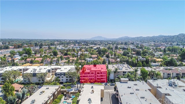 4646 Natick Avenue, Sherman Oaks CA: http://media.crmls.org/mediascn/d90a62ca-6abe-405a-a642-68d01d60ddd0.jpg