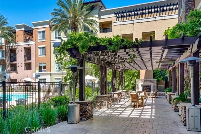 24505 Town Center Drive, Valencia CA: http://media.crmls.org/mediascn/d93462eb-9065-4308-86b1-79efad27175b.jpg