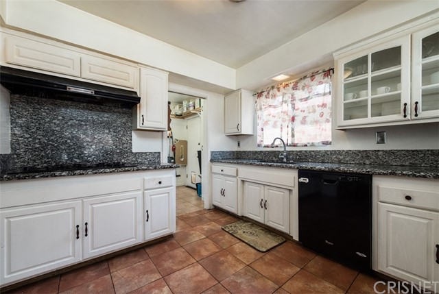 6840 Van Noord Avenue, North Hollywood CA: http://media.crmls.org/mediascn/d951fad0-ac5e-4b93-8963-baa1edd69ef4.jpg