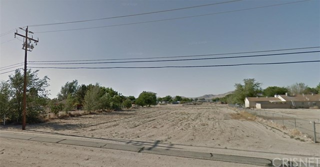 17830 Sweetaire Avenue, Lake Los Angeles CA: http://media.crmls.org/mediascn/d9655018-f0a7-4e9c-8c3d-d2ee42ebb2bf.jpg