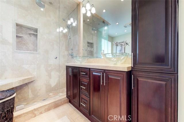 11725 Balboa Boulevard, Granada Hills CA: http://media.crmls.org/mediascn/d9a7429e-4067-4630-906d-9f9adc54138b.jpg