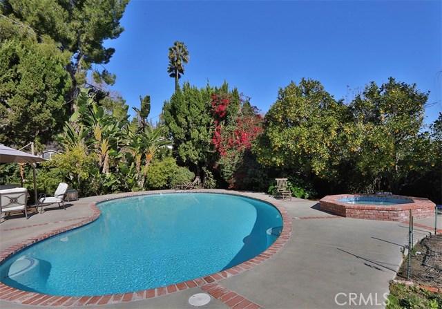 5912 Penfield Avenue, Woodland Hills CA 91367
