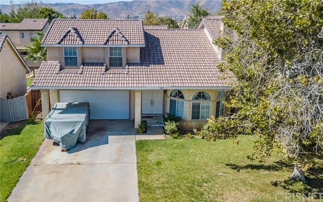 564 Conifer Drive, Palmdale CA: http://media.crmls.org/mediascn/d9b818e3-61c4-432a-bf74-e9072771e81f.jpg