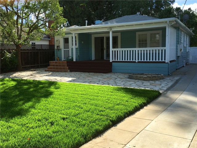 Photo of 22025 De La Guerra Street, Woodland Hills, CA 91364