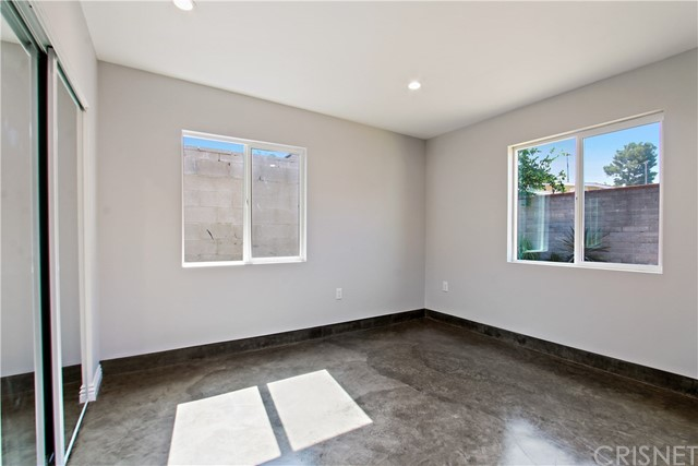 8614 Wentworth Street, Sunland CA: http://media.crmls.org/mediascn/d9c30701-c56c-415e-8e05-8c78befcfcd9.jpg