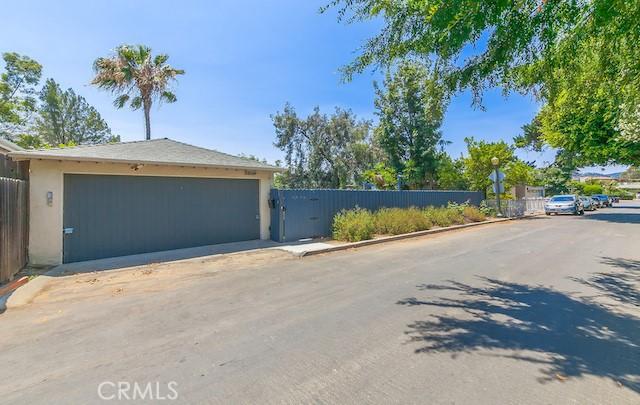 3309 Tareco Drive, Los Angeles CA: http://media.crmls.org/mediascn/d9d71c53-cff6-44ba-acd7-f110fcbf108e.jpg