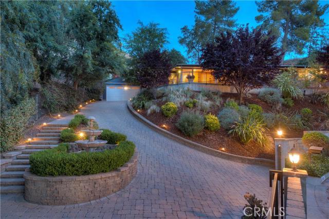 15515 Woodcrest Drive, Sherman Oaks CA 91403
