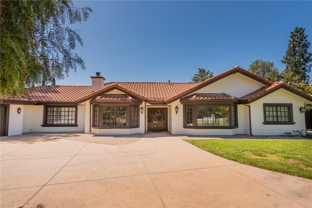 23030 Collins Street, Woodland Hills, CA 91367