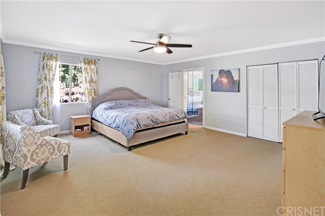 6601 Enfield Avenue, Reseda CA: http://media.crmls.org/mediascn/da330e3e-bee3-491d-a329-eb53c589db69.jpg