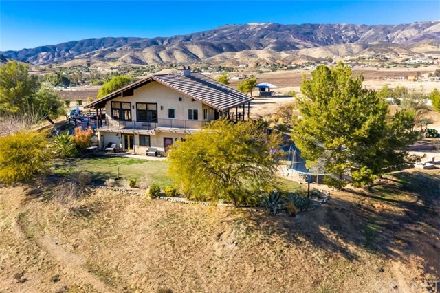 Detail Gallery Image 1 of 1 For 9991 White Fox Ln, Agua Dulce,  CA 91390 - 2 Beds | 2 Baths
