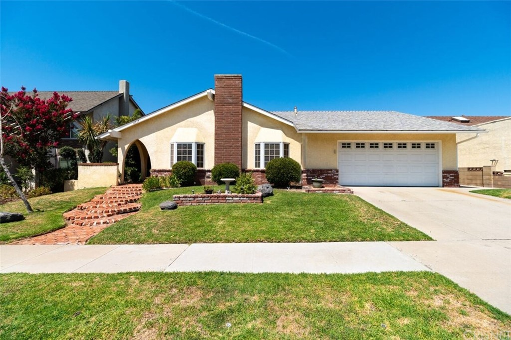 Photo of 2737 NORTH HIGHGATE PLACE, Simi Valley, CA 93065