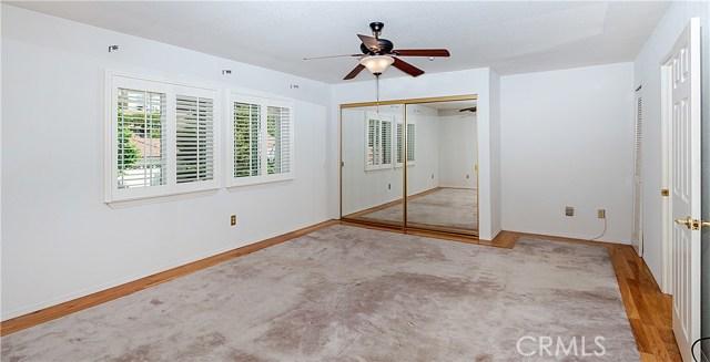 12646 Hubbard Street, Sylmar CA: http://media.crmls.org/mediascn/da710390-2157-4917-b541-23811fd71cea.jpg