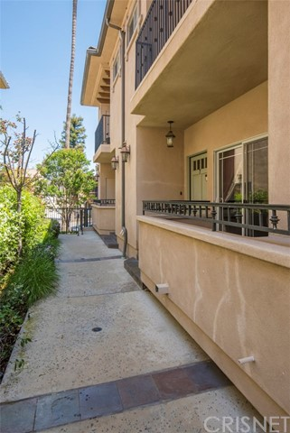 14544 Margate Street Unit 7 Sherman Oaks, CA 91411 - MLS #: SR18116450