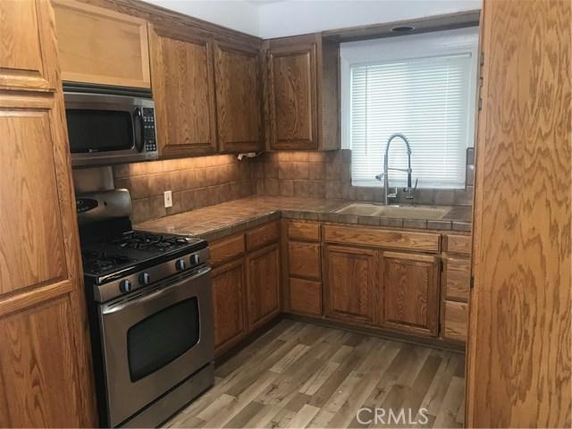 5646 Woodman Avenue, Valley Glen CA: http://media.crmls.org/mediascn/daabcd95-2e89-4788-adc6-009a9b15b112.jpg