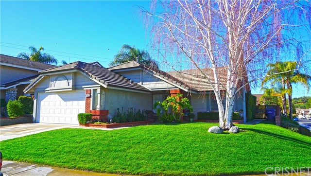 22716 Peach Court, Saugus CA 91390