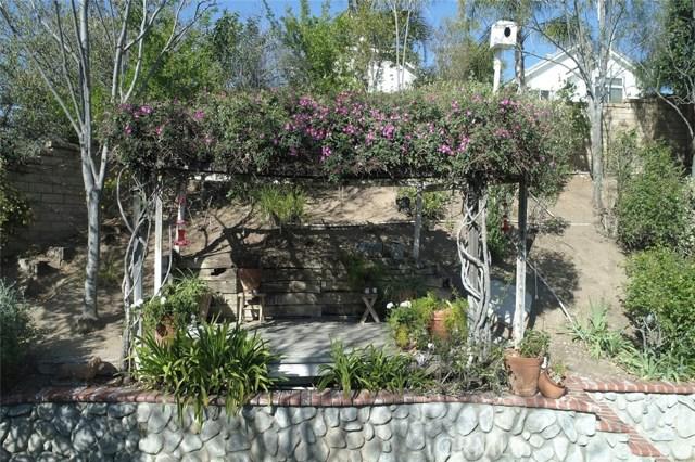 23811 Foxwood Court, Valencia CA: http://media.crmls.org/mediascn/db21e9aa-a7d2-44db-88b8-43b319bc8739.jpg