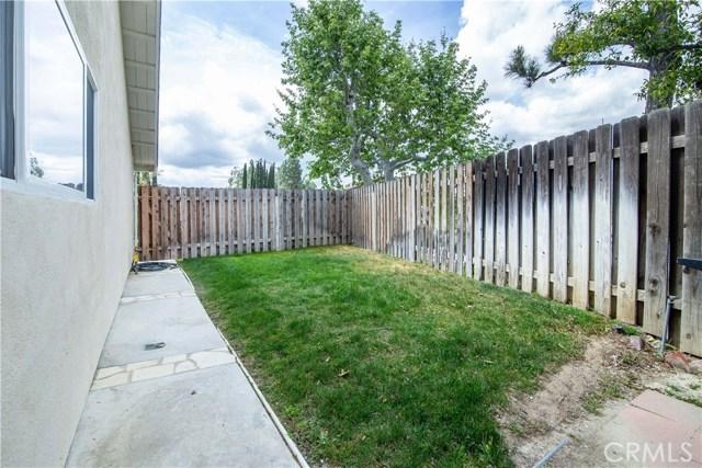 11636 Amigo Avenue, Porter Ranch CA: http://media.crmls.org/mediascn/db2a0f42-d854-4a1d-8ec1-25b3d5a0d68c.jpg