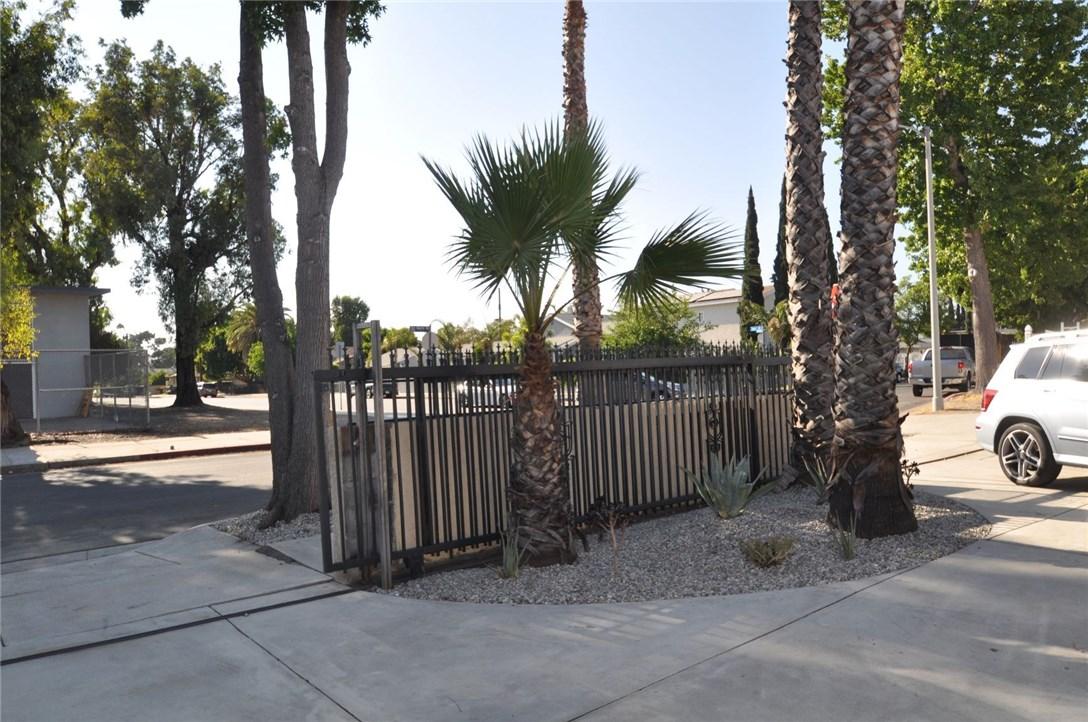 6960 Van Noord Avenue, North Hollywood CA: http://media.crmls.org/mediascn/db2c5ae8-79b8-4c3f-a261-46ddb699c97e.jpg