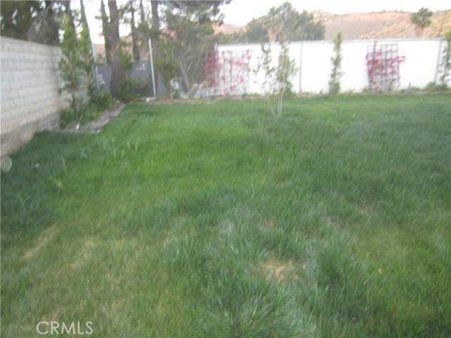 29930 Orchid Cove Drive, Canyon Country CA: http://media.crmls.org/mediascn/db331765-2972-47c9-b16f-e01e9c5a9716.jpg