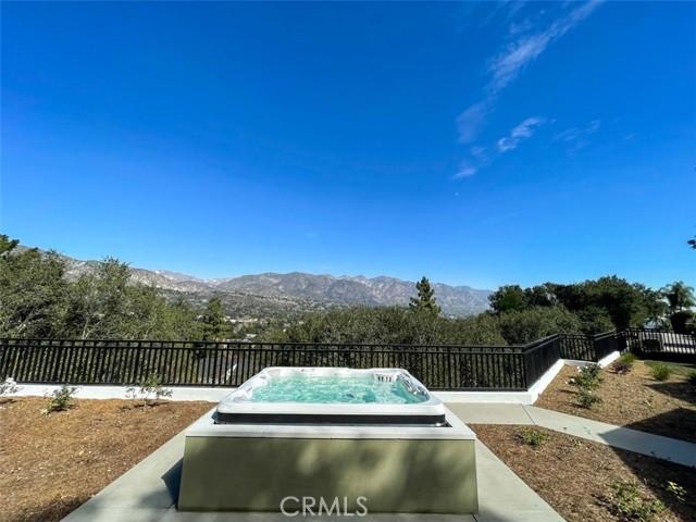 4200 Mesa Vista Drive, La Canada Flintridge CA: http://media.crmls.org/mediascn/db473360-df3f-4118-9553-49d00881ec4a.jpg