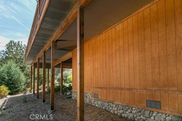 15312 Mil Potrero, Pine Mtn Club CA: http://media.crmls.org/mediascn/db61bd2c-916e-48e1-97c5-afcda037f67e.jpg