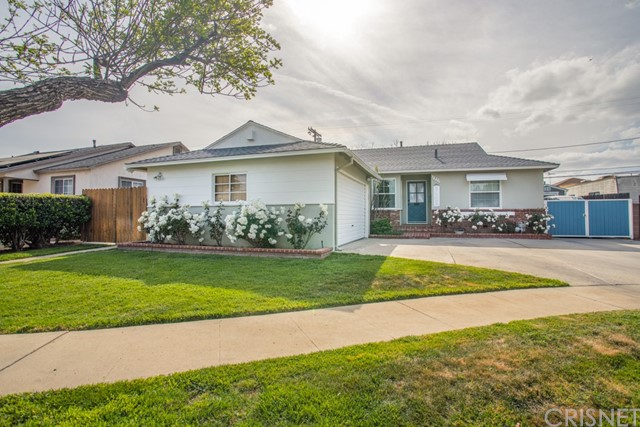 Detail Gallery Image 1 of 27 For 7933 Wish Ave, Lake Balboa,  CA 91406 - 3 Beds   2 Baths
