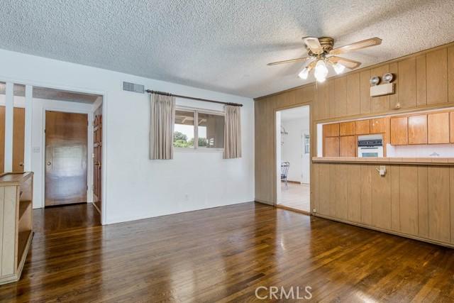 10920 Garden Grove Avenue, Northridge CA: http://media.crmls.org/mediascn/db7fa31a-103d-41de-a625-5f3104187ca9.jpg