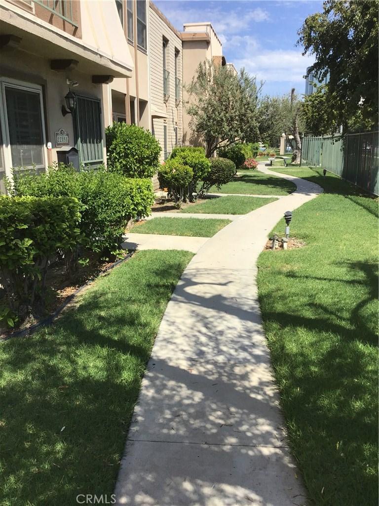 22151 Oxnard, Woodland Hills, CA 91367