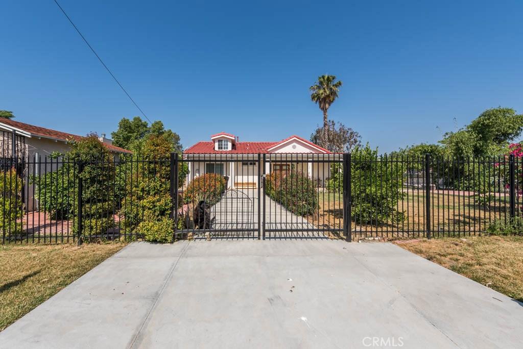 Property Listing: 22703 Sylvan StreetWoodland Hills