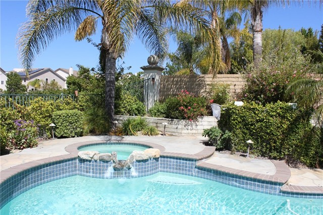 26452 Beecher Lane, Stevenson Ranch CA: http://media.crmls.org/mediascn/dc0e6d51-5377-4589-a09b-cbdd25a1cbef.jpg