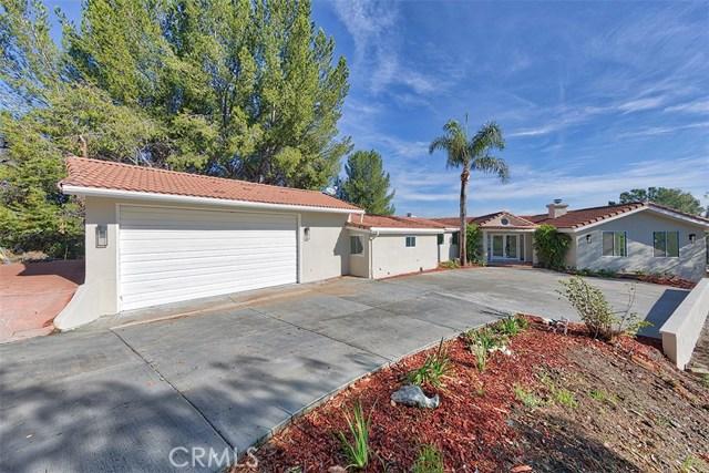 Single Family Home for Sale at 5026 Medina Road 5026 Medina Road Woodland Hills, California 91364 United States