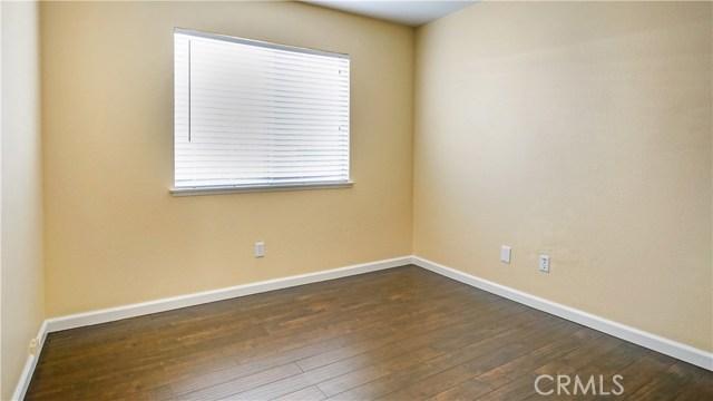 44919 Fenhold Street, Lancaster CA: http://media.crmls.org/mediascn/dc622da7-1731-4cbd-b79d-a9fb273b34a3.jpg