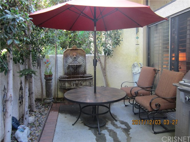 Townhouse for Sale at 6225 Shoup Avenue Unit 115 6225 Shoup Avenue Woodland Hills, California 91367 United States