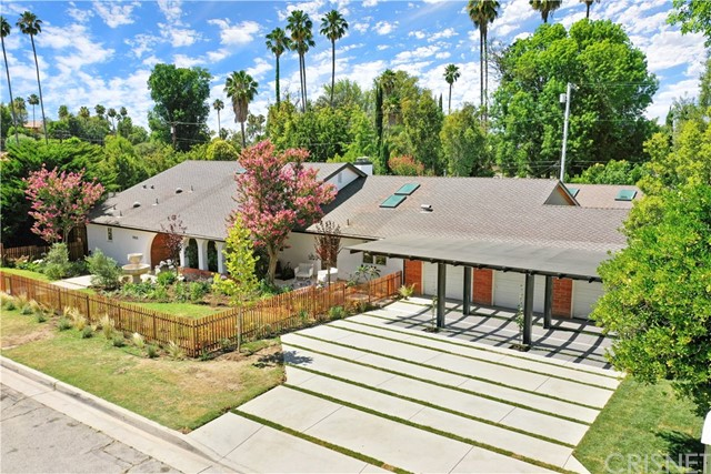 Photo of 19835 Santa Rita Street, Woodland Hills, CA 91364