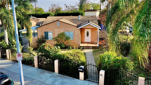 Detail Gallery Image 1 of 30 For 14720 Saticoy St, Van Nuys,  CA 91405 - – Beds | – Baths