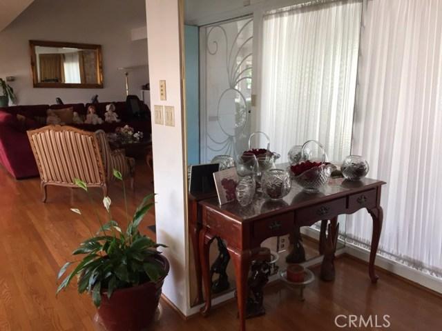 1266 Cary Avenue, Wilmington CA: http://media.crmls.org/mediascn/dcd1214d-4ddc-49f4-8183-48ba275794b4.jpg