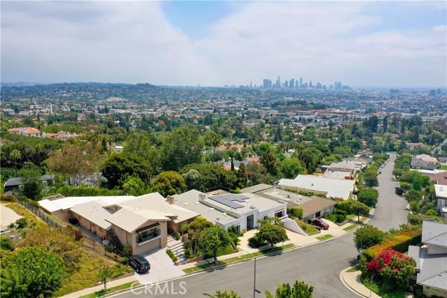 2258 Winona Boulevard, Los Angeles CA: http://media.crmls.org/mediascn/dcf81a41-4e40-4607-b187-3fa4a5bc169b.jpg
