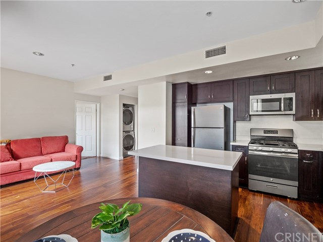 Detail Gallery Image 1 of 26 For 13200 Pacific Promenade #309,  Playa Vista,  CA 90094 - 2 Beds | 2 Baths